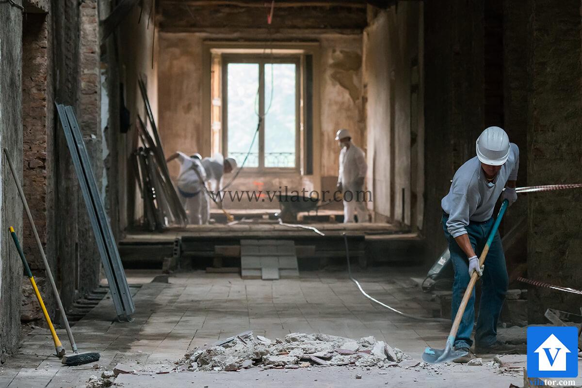 تخریب ویلا برای بازسازی ویلای قدیمی در شمال